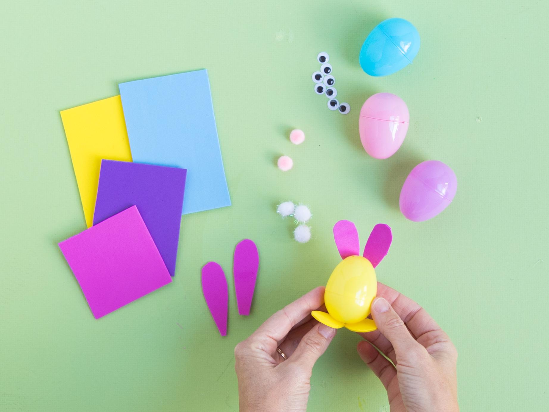 How to make plastic bunny eggs