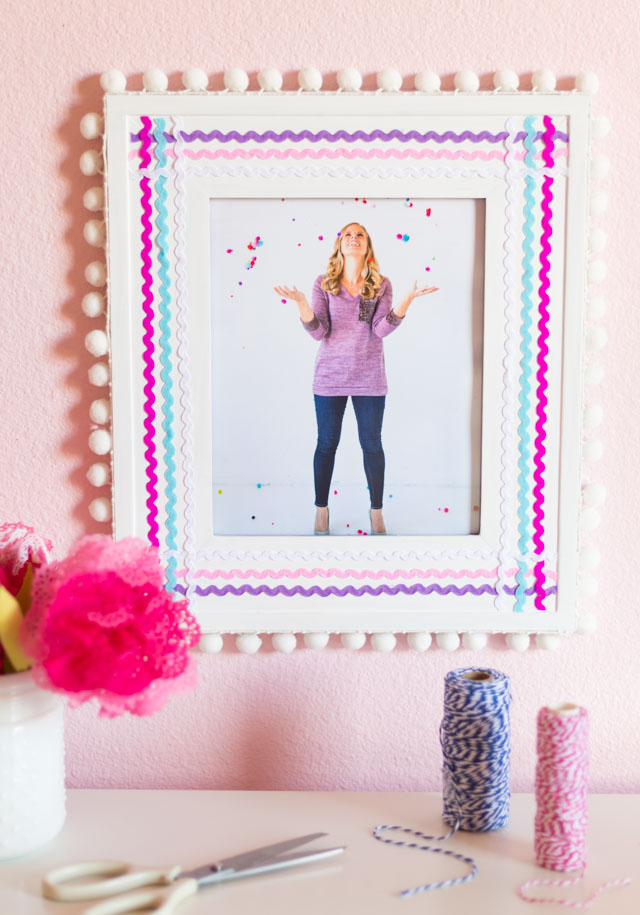 The Cutest Rickrack Picture Frames!