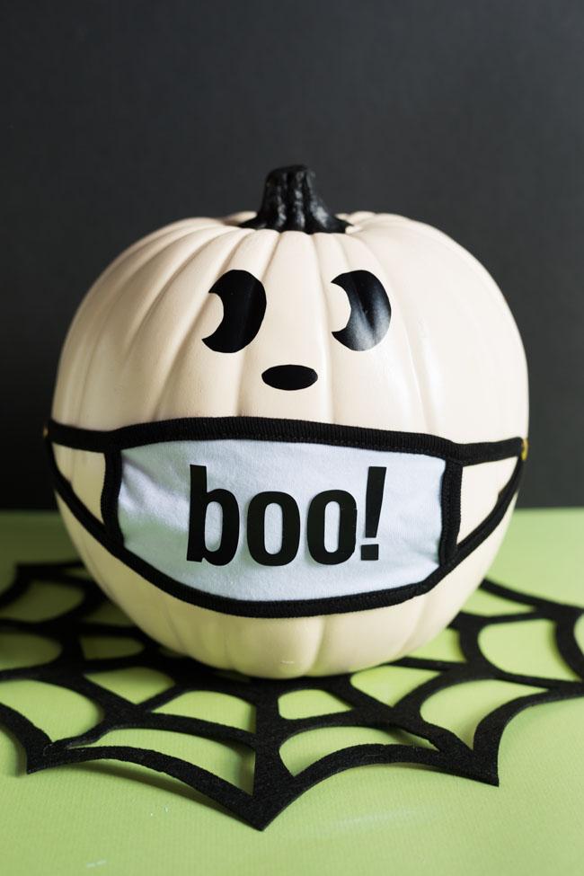 Ghost face mask pumpkin