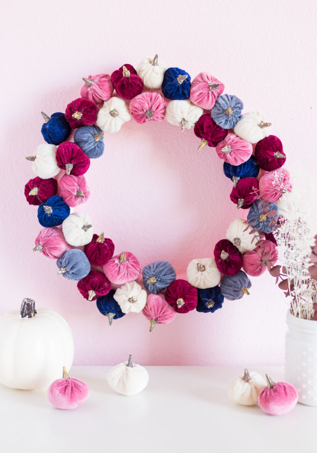 DIY Velvet Pumpkin Wreath