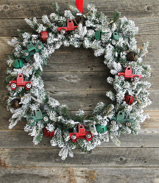 Vintage Truck Ornament Christmas Wreath