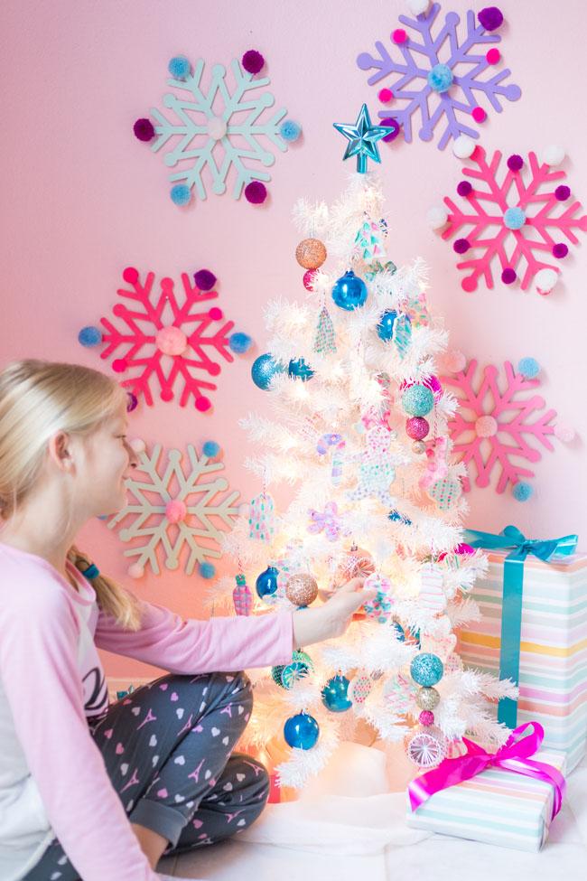 Árbol de Navidad para niños con adornos de masa de sal