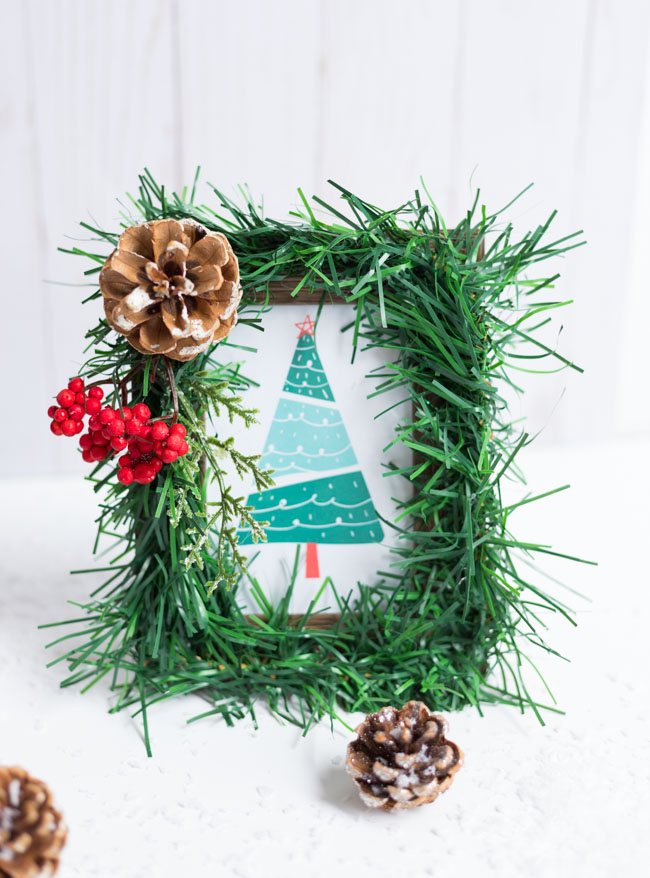 DIY Dollar Tree Christmas Picture Frames