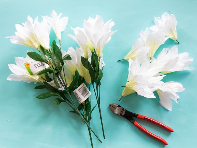 How to clip artificial flowers from stems with wire cutters