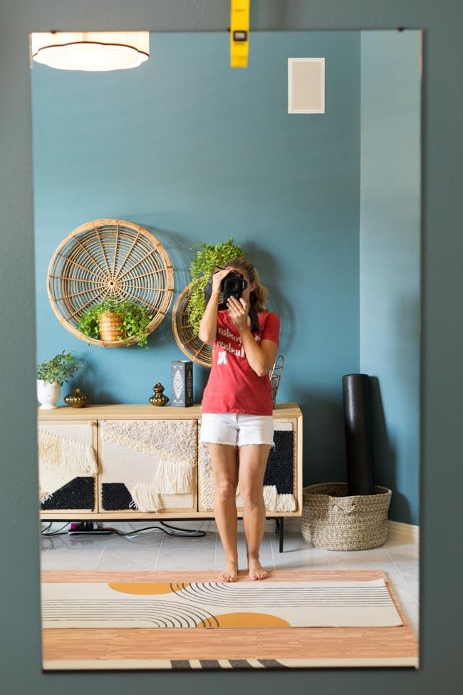 Home gym mirror - DIY hack